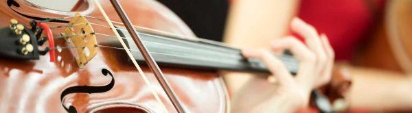 Seiteninstrument spielen